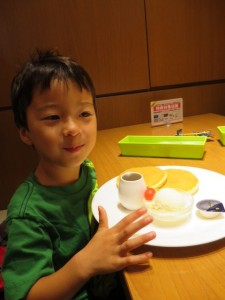pancakes and ice cream okayama with kids