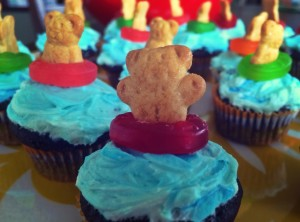 bear in pool ring cupcakes