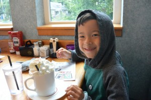pig n pancake at Cannon Beach Oregon with kids meal hot chocolate