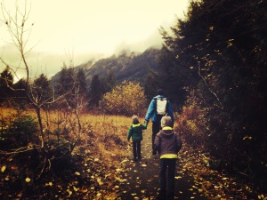 Hiking with kids around Gold Creek Pond