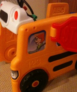 awesome climber for toddlers shaped like a bus
