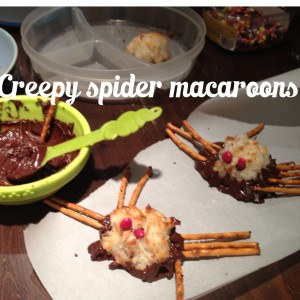 creepy halloween spider snacks made from macaroons