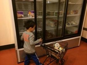 fake shopping at seattle children's museum