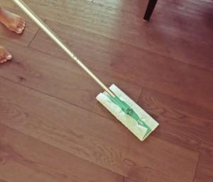 swiffer mop