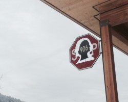 commonwealth cafe in Snoqualmie pass