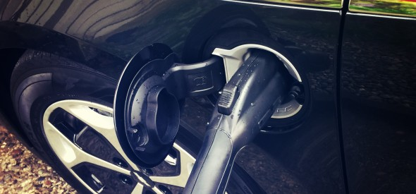 electric hybrid vehicle plug