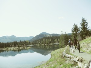 walking around gold creek pond hike
