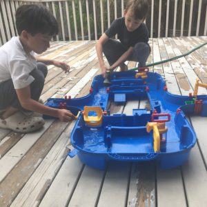 Water play set from rent the toy chest